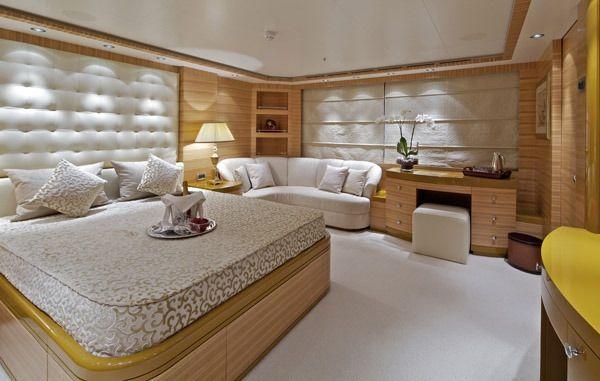 MIA RAMA Golden Yachts 176 VIP Cabin