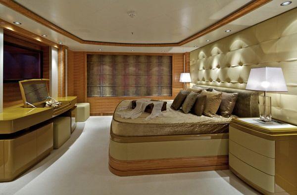 MIA RAMA Golden Yachts 176 Master Cabin