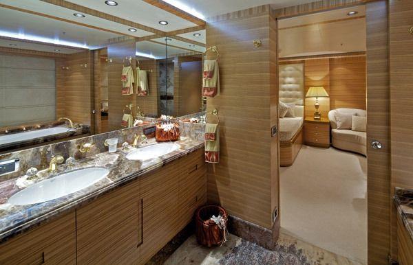 MIA RAMA Golden Yachts 176 VIP En Suite