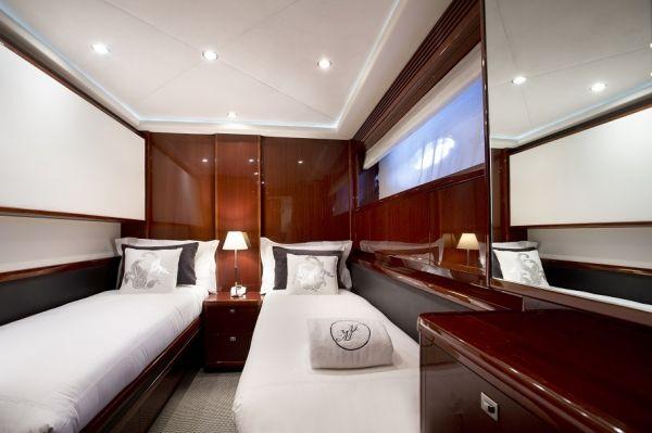 MOLLY MALONE Princess 95 Luxury Motoryacht Twin Cabin