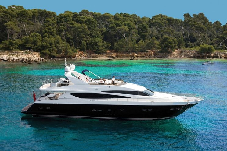 Charter Yacht MOLLY MALONE - Princess 95 - 4 Cabins - Cannes - St Tropez - Monaco