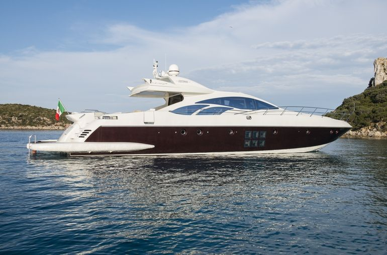 MR LOUIS Azimut 86s Luxury Motoryacht