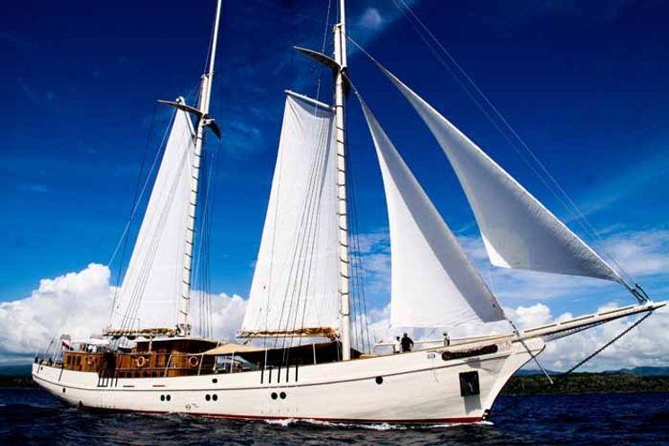 Charter Yacht MUTIARA LAUT - 7 Cabins - Indonesia - Komodo - Raja Ampat