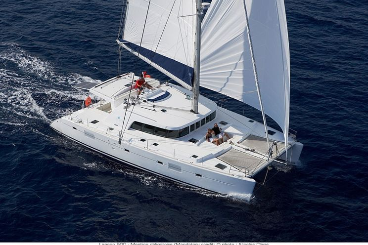 Charter Yacht CATATONIC 500 - Lagoon 500 - 3 Cabins - St Thomas - St John - Virgin Islands - Newport