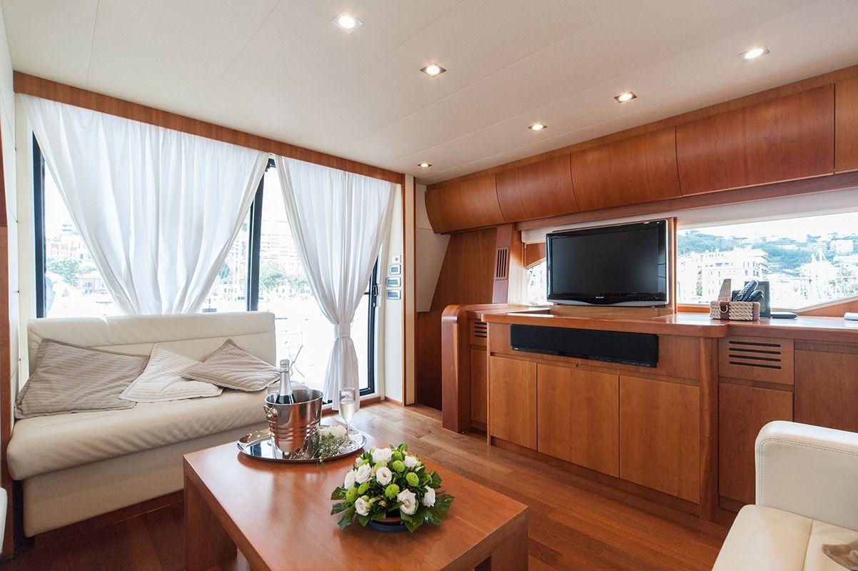 NADAZERO Raffaelli 22m Motoryacht Salon