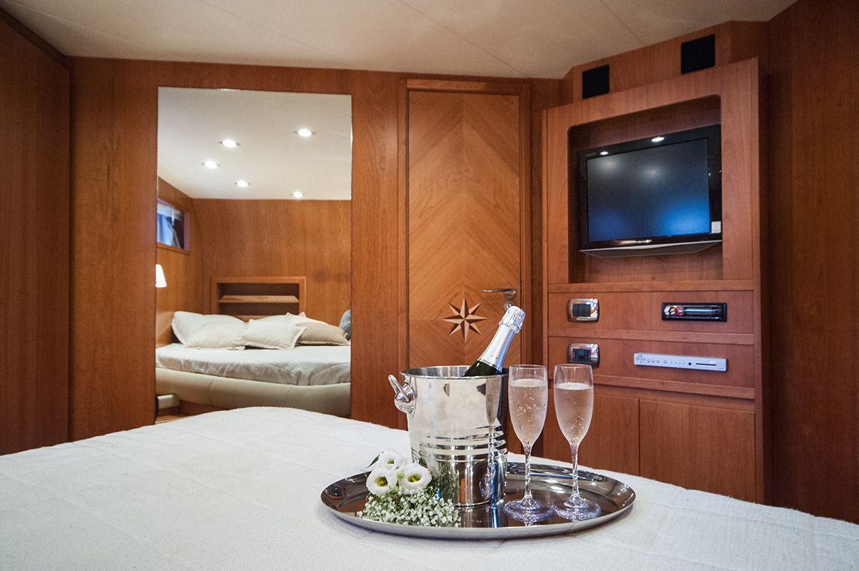 NADAZERO Raffaelli 22m Motoryacht VIP Cabin