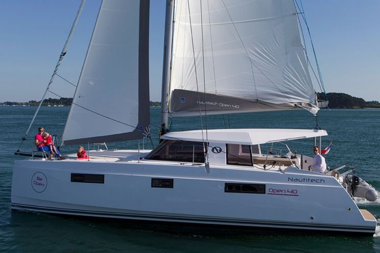 Charter Yacht Nautitech 40 Open - 4+1 Cabins - 2014 - Split