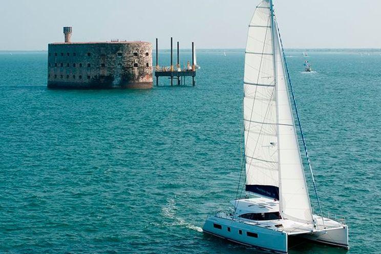 Charter Yacht Nautitech 542 - 5 Cabins - Corsica - French Riviera