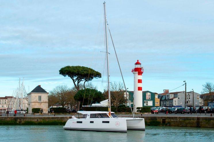 Charter Yacht Nautitech 40 Open - 4 + 2 Cabins - Athens
