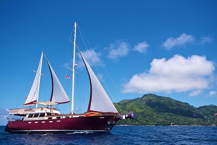 Charter Yacht Netamarine 30 - 7 Cabins - Mahe, Seychelles, Indian Ocean
