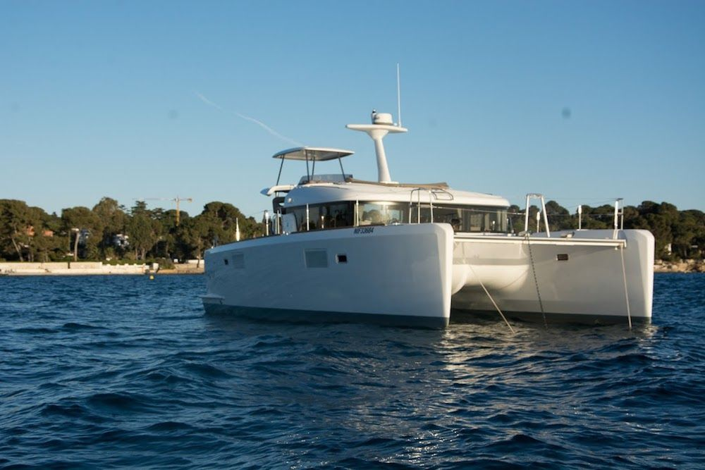 Lagoon 40 MY - Day Charter Yacht/Week Charter - 4 cabins ( 4 double) - 2015 - Cannes - Antibes - Golfe Juan