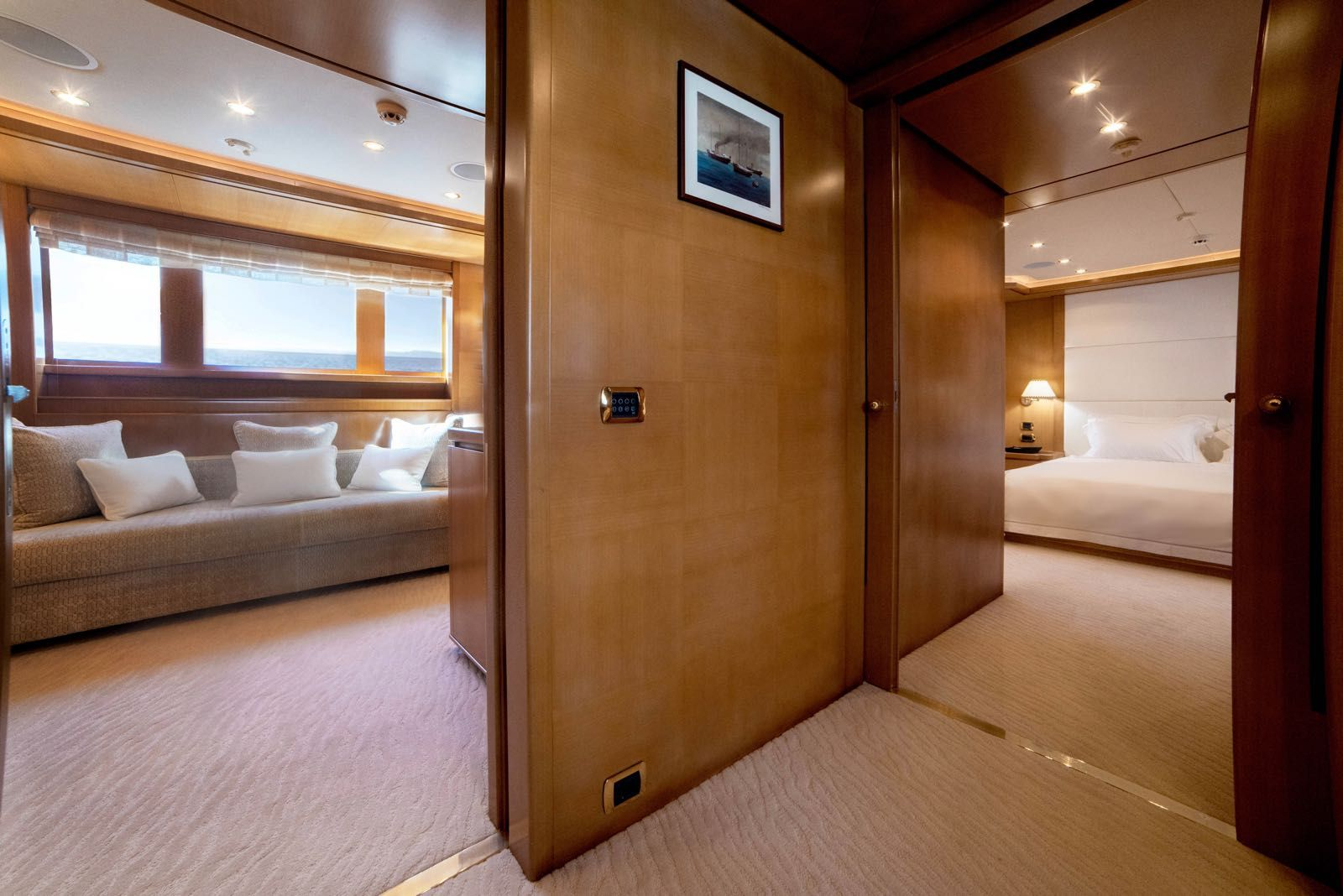 ISA Motor Yacht OASIS Owners