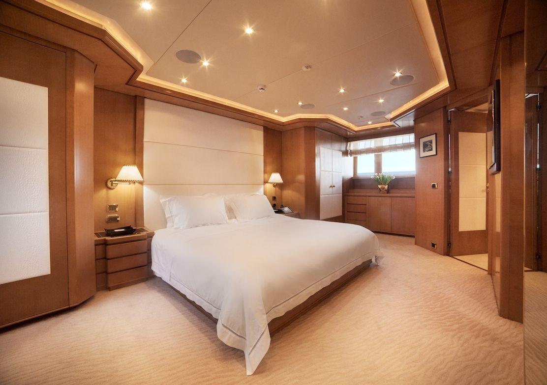 ISA Motor Yacht OASIS Master Suite