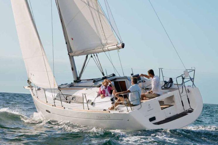 Charter Yacht Oceanis 34 - 3 Cabins - Procida - Naples