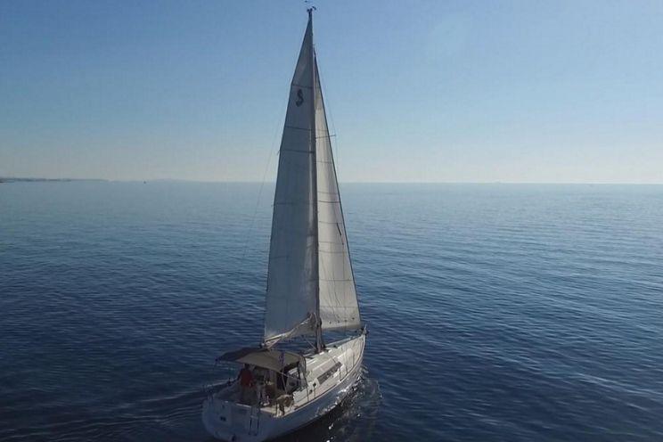 Charter Yacht Oceanis 37 - 3 Cabins - Procida - Naples - Amalfi Coast