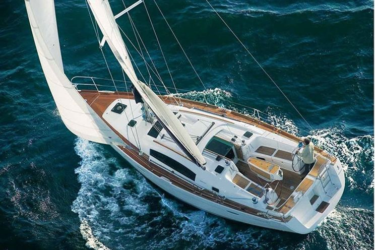 Charter Yacht Oceanis 41(2012/14)- 3 Cabins - Athens