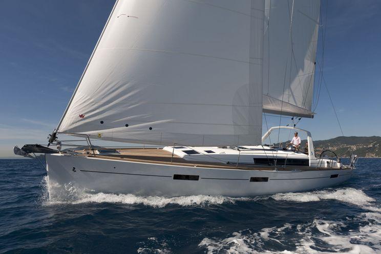 Charter Yacht Oceanis 45 - 4 Cabins - Tortola - British Virgin Islands