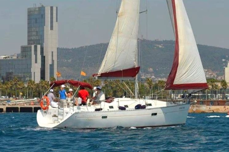 Charter Yacht Oceanis 361 - 3 Cabins - Barcelona