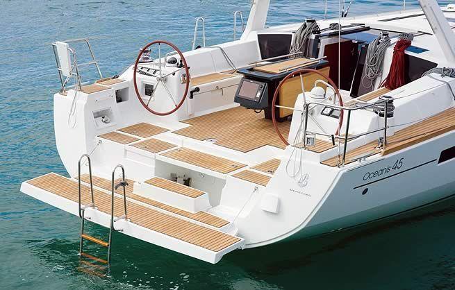 Beneteau Oceanis 45 Stern