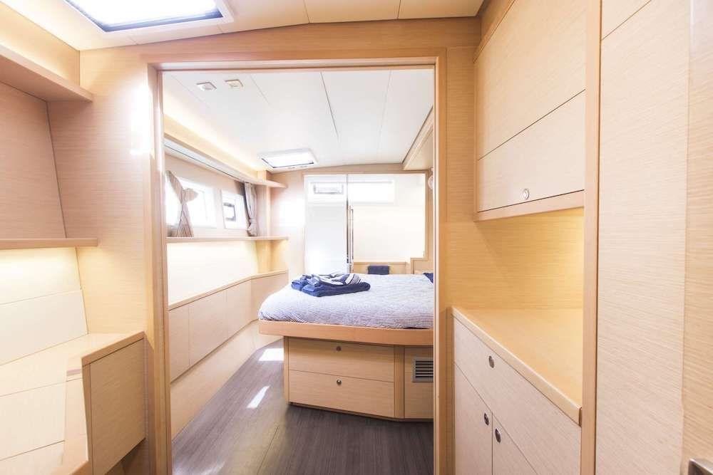 OCELOT Lagoon 52 Master Cabin
