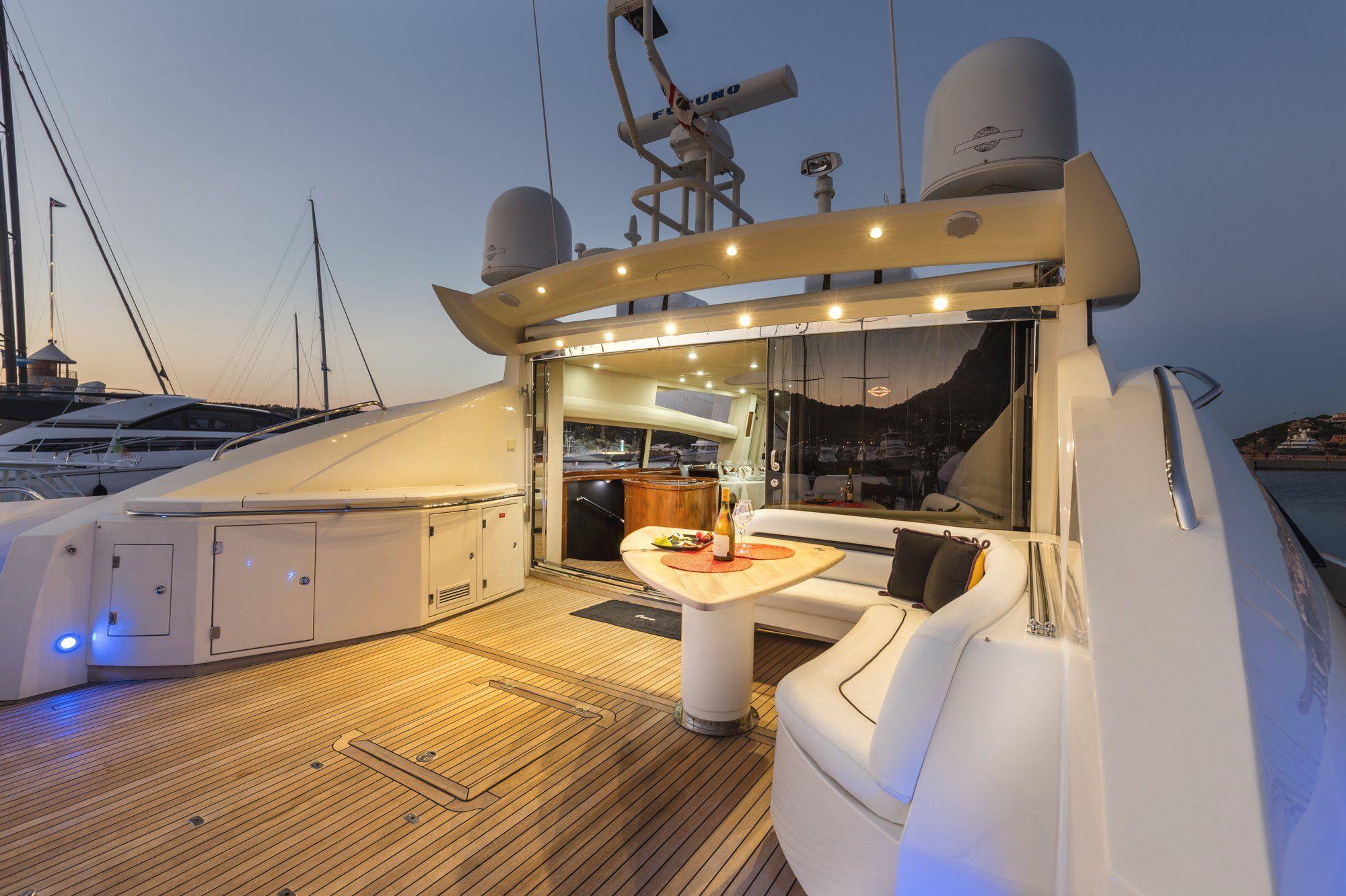 OCTAVIA Sunseeker Predator 83 Luxury Motoryacht Aft Deck