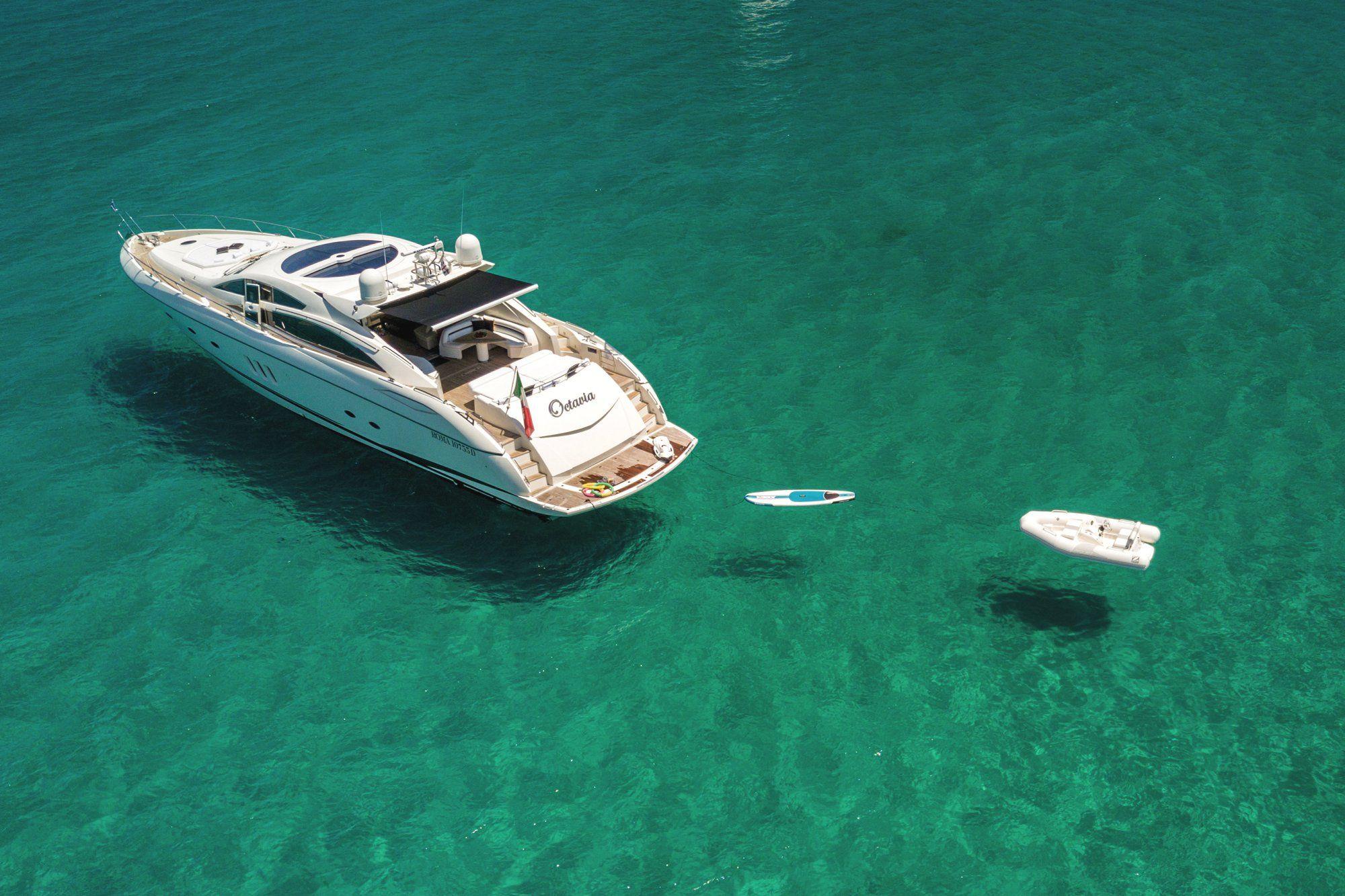 OCTAVIA Sunseeker Predator 83 Luxury Motoryacht Running