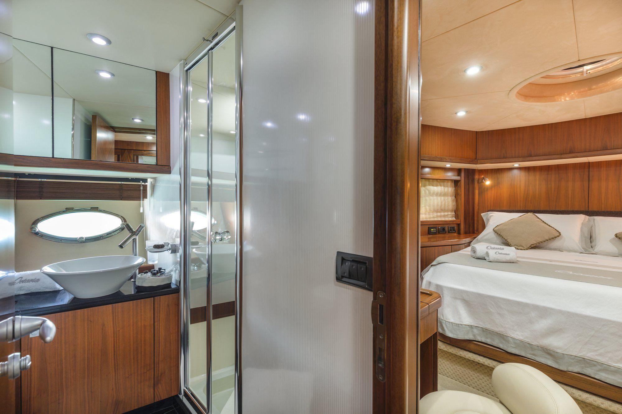 OCTAVIA Sunseeker Predator 83 Luxury Motoryacht