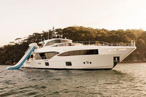 ONEWORLD - Gulf Craft 32m - 5 Cabins - Sydney - Whitsundays - Gold Coast - Australia