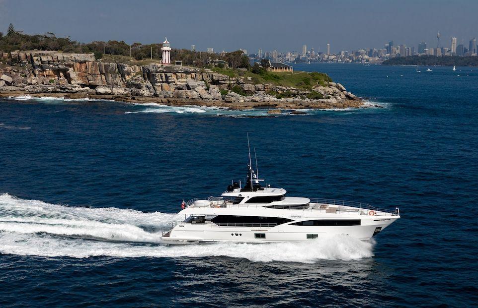 ONEWORLD - Gulf Craft 32m