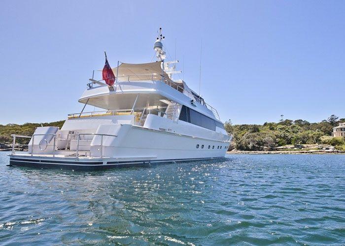 MY Oscar II - Sailing