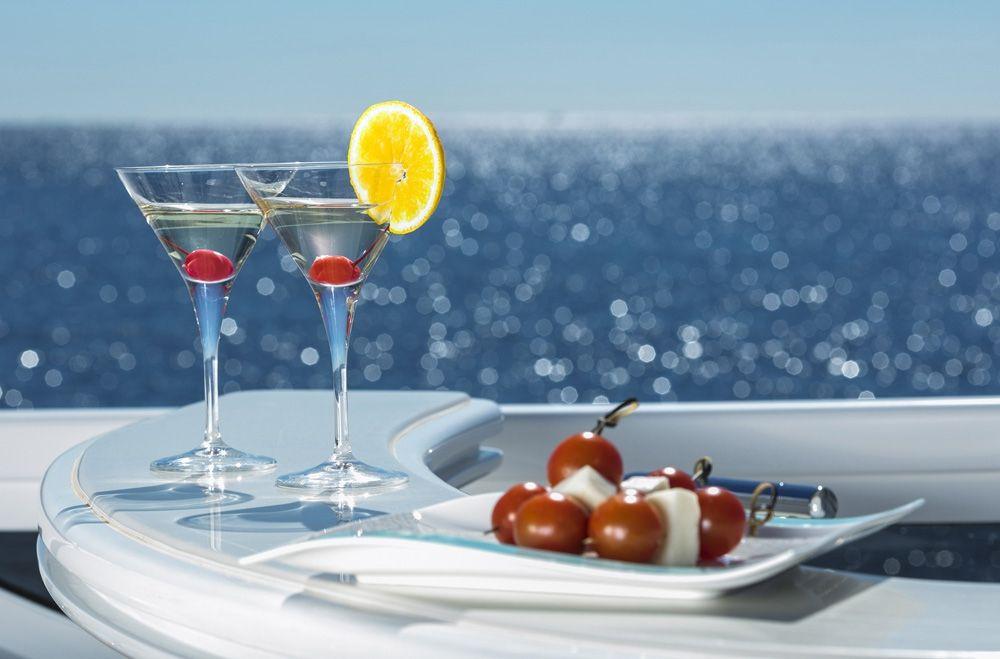 PARIS A - Cocktails on Deck