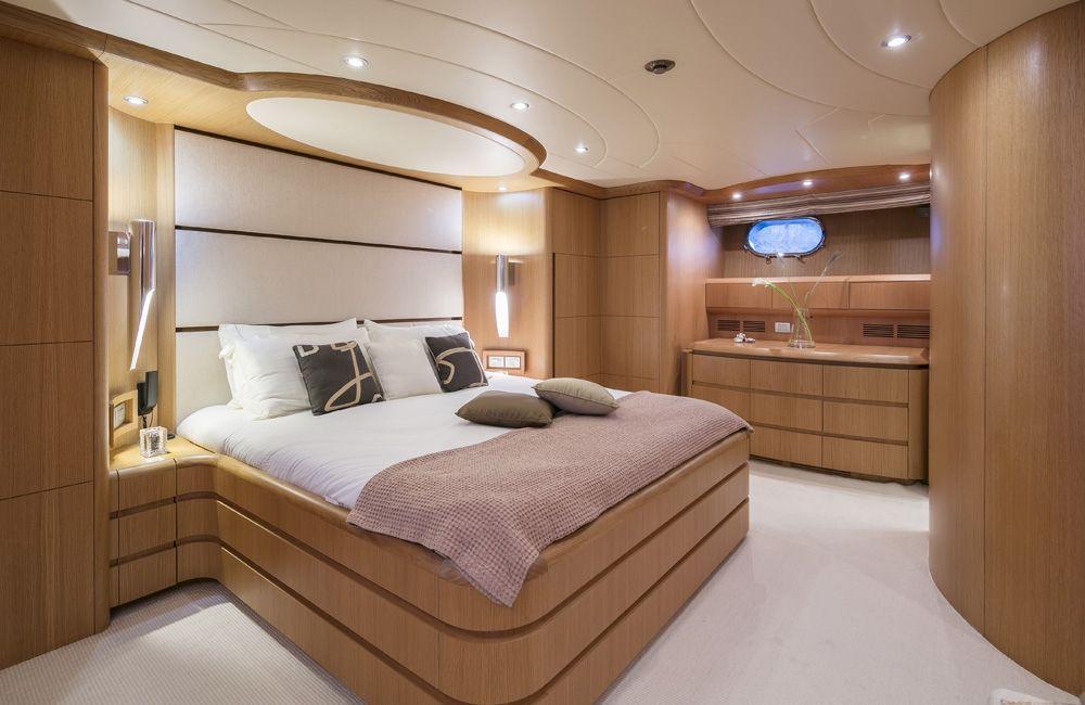 PARIS A - VIP Cabin 2