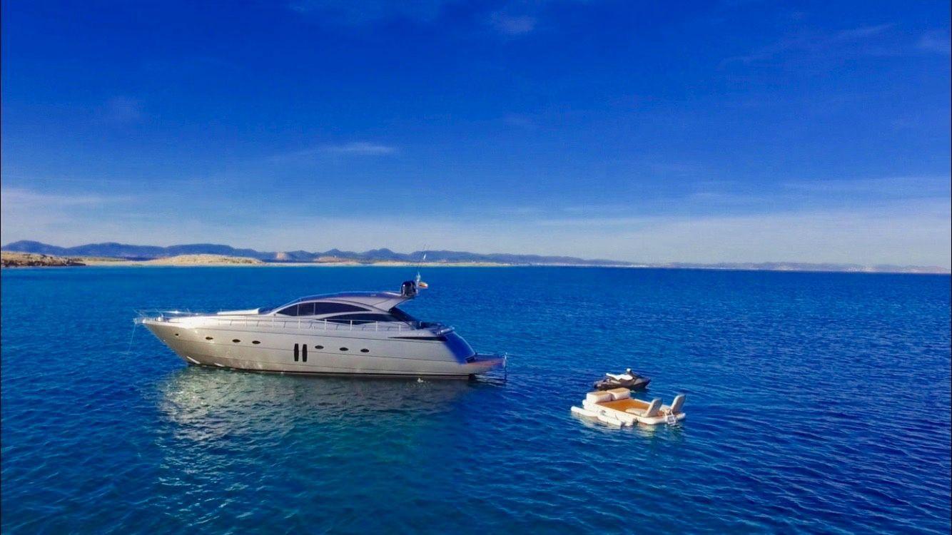 Pershing 62 - Day Charter - 3 cabins (2 double 1 twin) - Ibiza - Formentera