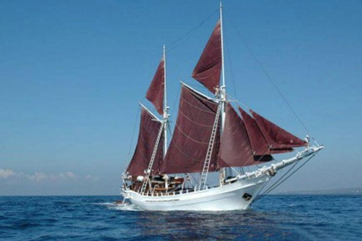 Charter Yacht Phinisi 40 KAT - 6 Cabins - Komodo and Raja Ampat, Indonesia