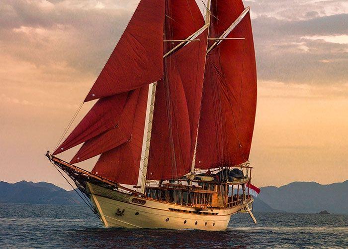 Phinisi 50 - 5 Cabins - Komodo and Raja Ampat,Indonesia