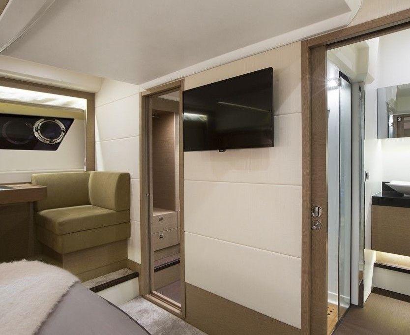Prestige 560 Fly - Day Charter