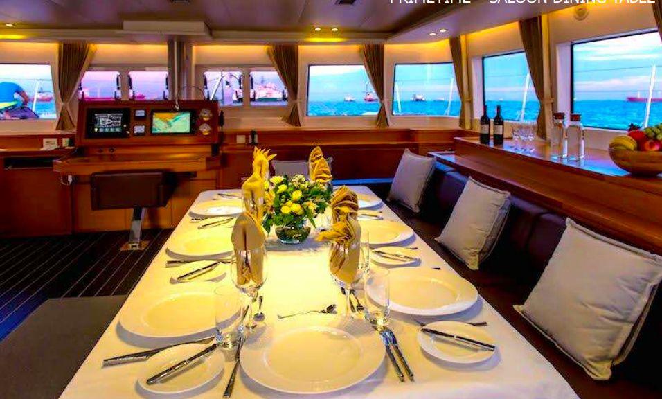 PRIMETIME - Saloon dining table