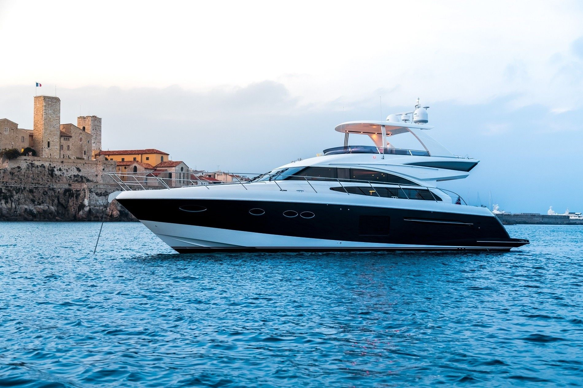 Princess 64 Fly - Day Charter Yacht - Cannes - Antibes - St Tropez - Monaco