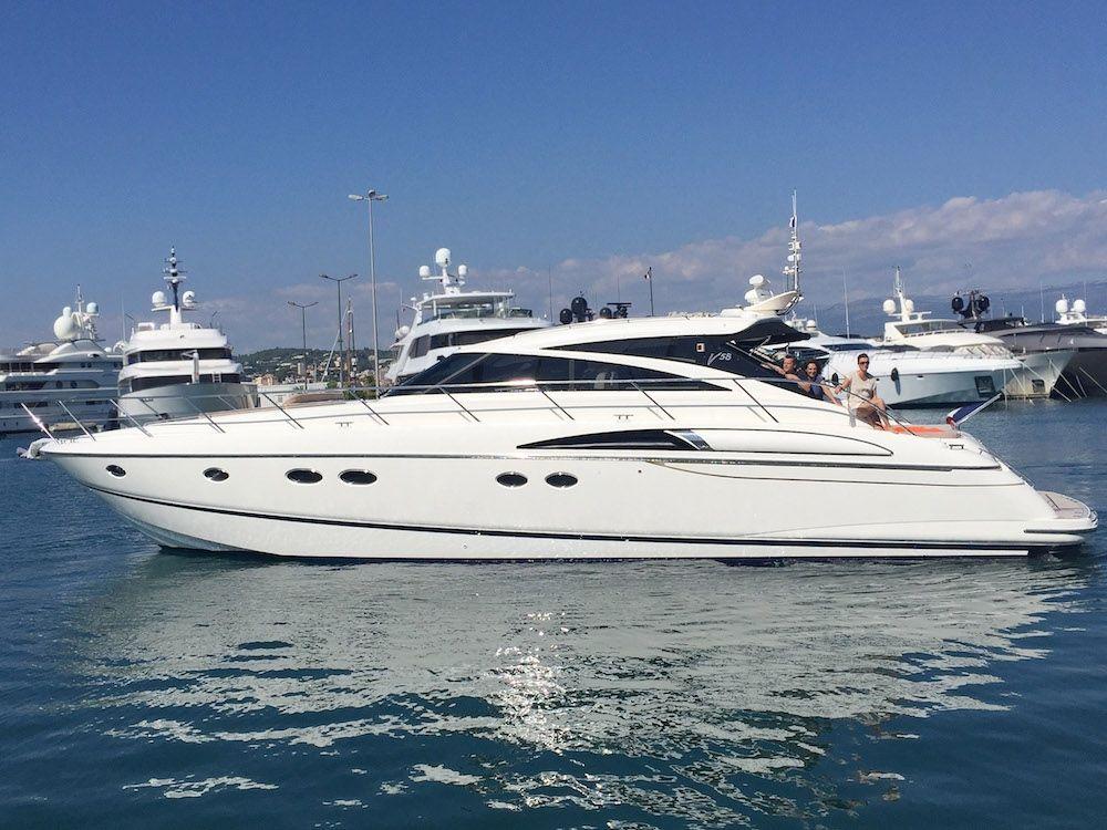 Princess V58 - 2 Cabins - Cannes - Antibes - St Tropez