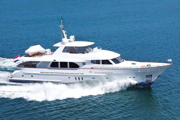 Charter Yacht PURA VIDA - Moonen 98 - 4 Cabins - Nassau - Marsh Harbour - Bahamas - Caribbean
