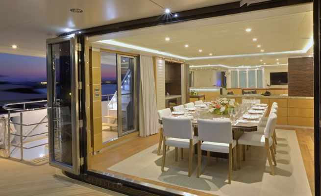 QUARANTA Curvelle 34m Luxury Superyacht Dining Table