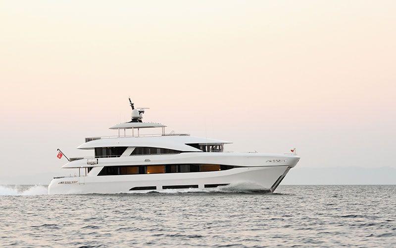QUARANTA Curvelle 34m Luxury Superyacht Running