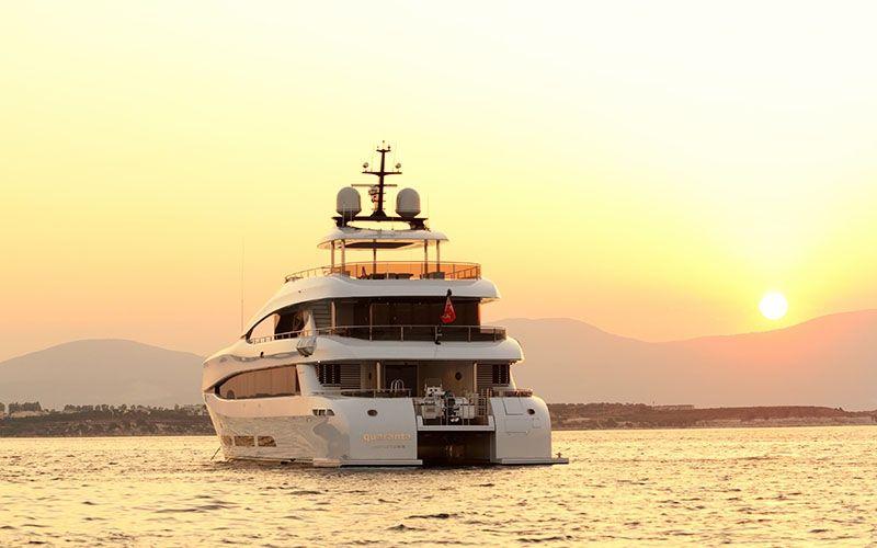 QUARANTA Curvelle 34m Luxury Superyacht Sunset
