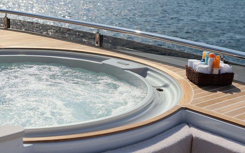 QUARANTA Curvelle 34m Luxury Superyacht Jacuzzi Spa