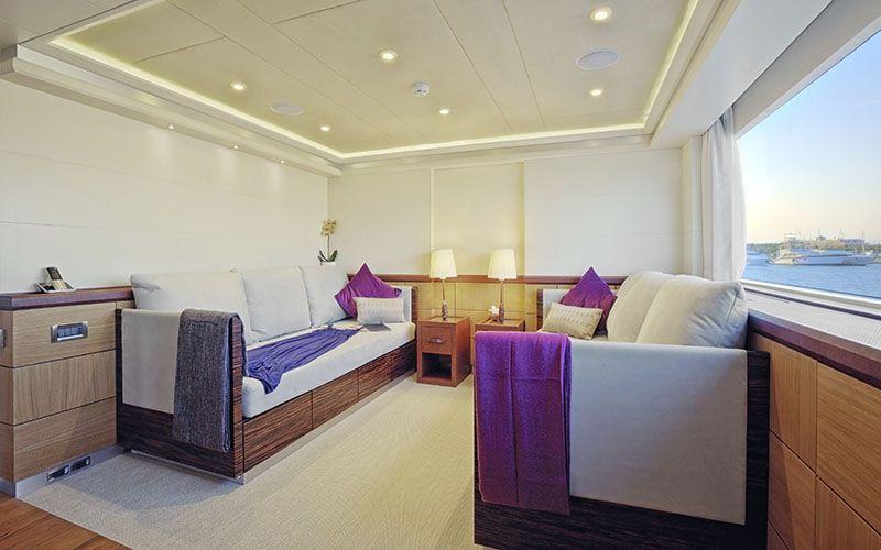 QUARANTA Curvelle 34m Luxury Superyacht Convertible Saloon