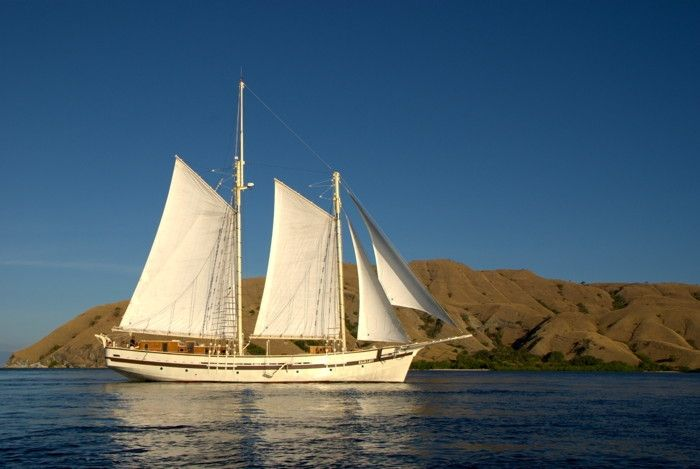 raja_laut_sailing
