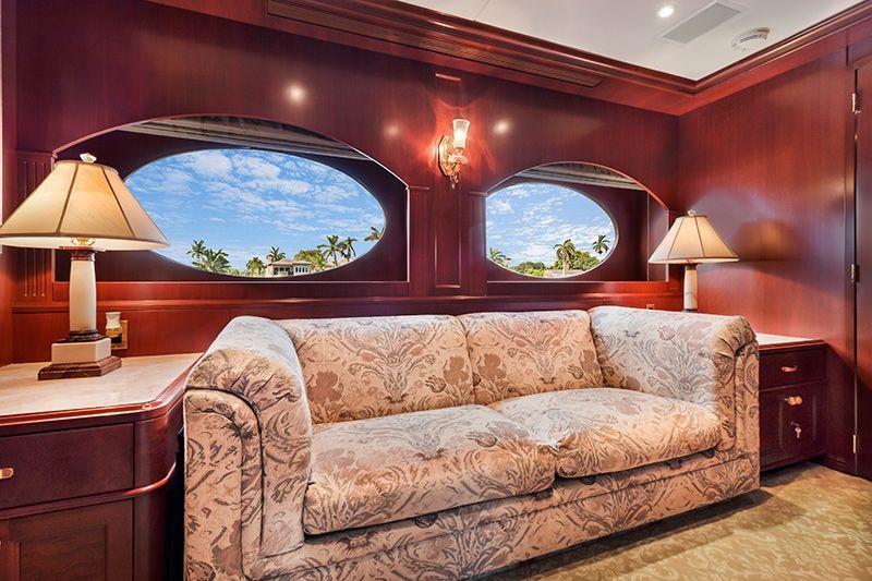 RELENTLESS Trinity 145 Luxury Superyacht Lounge