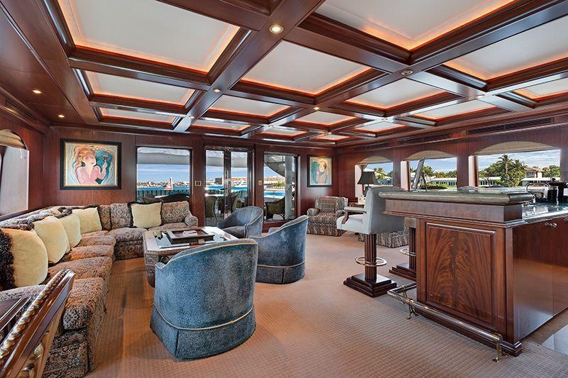 RELENTLESS Trinity 145 Luxury Superyacht Saloon