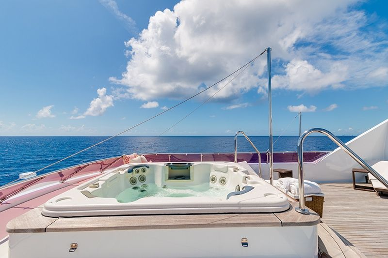 RELENTLESS Trinity 145 Luxury Superyacht Jacuzzi