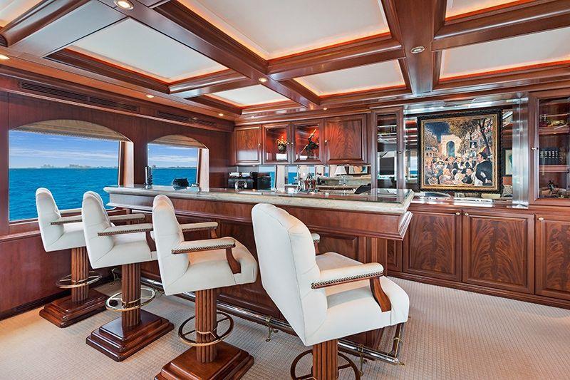 RELENTLESS Trinity 145 Luxury Superyacht Bar